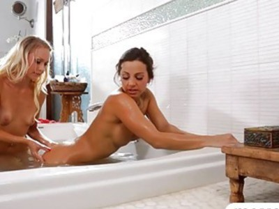 Two babes Abigail Mac and Natasha Voya licking in the bathtub