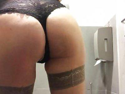 My masturbation in a public bathhouse