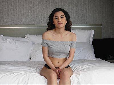 Teen newcomer wants to cum