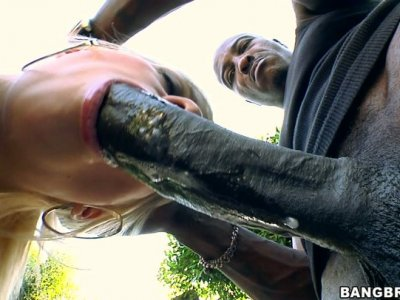 Straight haired blondie Jessie Volt gets fucked doggy outdoors