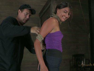 Lascivious brunette Cassandra Nix can't even breathe in facepumping scene