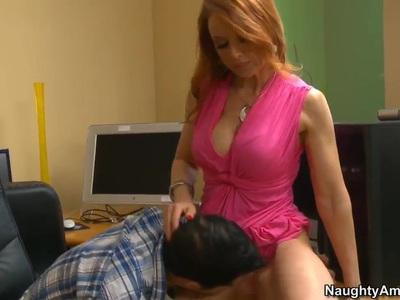 Busty milf Janet Mason seduces young Kris Slater
