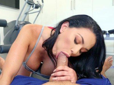 Brunette Brooke Beretta gives blowjob in POV