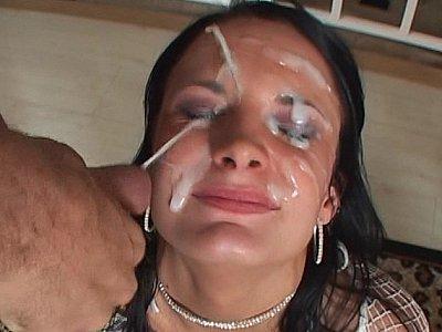 For double blowjob she deserves double facial