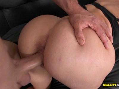 Mom with massive ass fucked doggysyle