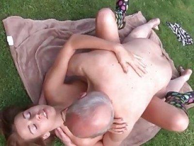 Young Old Porn Beautiful Teen Giving Blowjob Cum