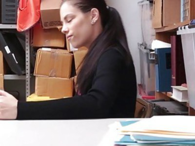 Shoplyfter Bobby Dylan fucked by the hearing person