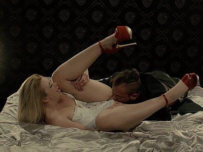 Blonde on high-heels is having an intense fuck