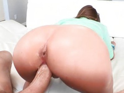 Teddi Rae shows off her tits and fucked